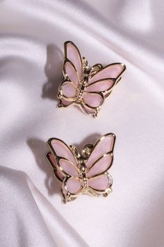 Pink Tumblr Aesthetic, Baby Pink Aesthetic, Princess Aesthetic, Aesthetic Colors, Aesthetic Collage, Aesthetic Outfit, Images Murales, Butterfly Hair, Butterfly Necklace