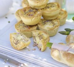 Pretty little bacon & egg pies are made using quail eggs, butter onion, bacon, eggs and creme. Topped with poppy seeds. Bbc Good Food Recipes, Pie Recipes, Cooking Recipes, Picnic Recipes, Fodmap Recipes, Empanadas, Pork Pie Recipe, Fresco, Bacon Crisps