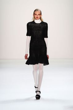 Issever Bahri Fall 2013 Ready-to-Wear Collection Photos - Vogue