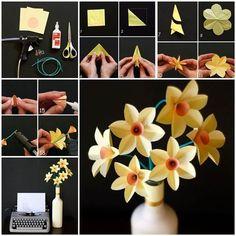 Diy tutorial: diy paper crafts / diy easy paper daffodils - bead&co Paper Flowers Diy, Handmade Flowers, Flower Crafts, Fabric Flowers, Easy Diy Crafts, Cute Crafts, Crafts For Kids, Fleurs Diy, Diy Papier