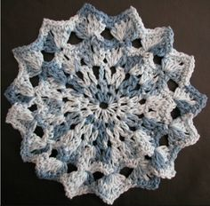 Free crochet dishcloth pattern: Anemone