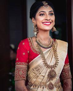 South Indian Wedding Saree, Indian Bridal Sarees, Bridal Silk Saree, Indian Bridal Outfits, Indian Bridal Fashion, South Indian Bride, Wedding Sarees, Indian Groom, Punjabi Wedding