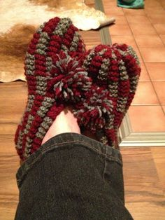 Crochet Socks, Knit Crochet, Socks And Heels, Slipper Boots, Diy Projects To Try, Anklets, 4th Of July Wreath, Slippers, Knitting