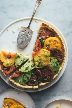 Tomato Tart with a Scallion Goat Cheese Filling - will need to find a substitution for the vegetable shortening though. Vegetarian Recipes, Cooking Recipes, Healthy Recipes, Healthy Food, Good Food, Yummy Food, Food Inspiration, Goat Cheese, Food Photography