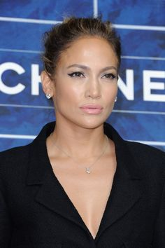 Love the make-up JLo!