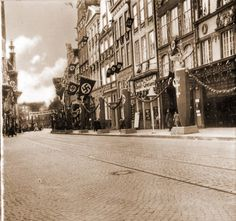 Danzig, Sidewalk, Street View, War, Pictures, Historia, Cinema, Photos, Side Walkway