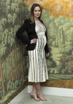 Emily Blunt.. Peter Pilotto Spring 2016 dress.. #chicbump #stylethebump