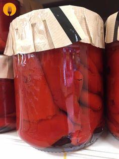 Cómo preparar pimientos rojos asados y mantenerlos en conserva | Recetas de Cocina Casera - Recetas fáciles y sencillas