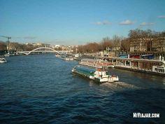 el rio sena en #paris