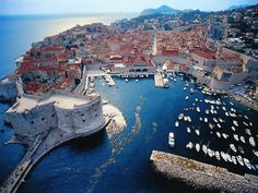 Dubrovnik is an amazingly intact walled city on the Adriatic Sea coast in the south of Croatia. Discover the best attractions and things to do in Dubrovnik. Places In Europe, Places Around The World, Places To Travel, Travel Destinations, Dream Vacations, Vacation Spots, European Vacation, Cool Places To Visit, Strand