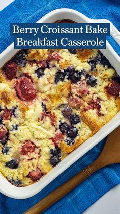 Easy To Make Breakfast, Second Breakfast, Breakfast Bake, Sweet Breakfast, Breakfast Dishes, Breakfast Casserole, Breakfast Recipes, Breakfast Ideas, Vegetarian Desserts