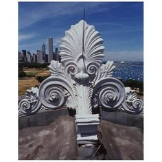 Architectural ornament, called Antefixa, on the roof of The Field Museum, view looking north, taken from the roof. Chicago Museums, Field Museum, Neoclassical, Fields, Classic Style, Lion Sculpture, Greek, Statue, Architecture