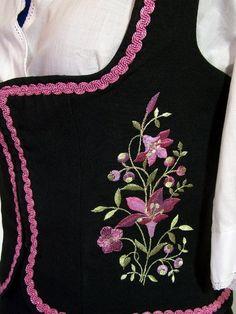 Vintage Dirndl Zweiteiler, schwarz Stickerei Gr.44 Spieth Und Wensky, Folk Costume, Costumes, Dirndl Dress, Vintage Mode, Punjabi Suits, Boho Outfits, Traditional Dresses, Etsy