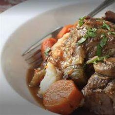 Slow Cooker Beef Pot Roast @keyingredient #chicken #slowcooker #vegetables #easy