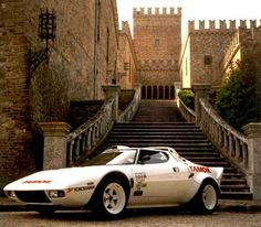 Stratos This picture has so much cool