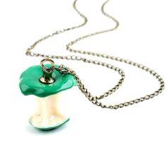 Blora Yeşil Elma Kolye #ekoldugmesi #koldüğmesi #cufflinks #alisveris #erkekmodası #kadınmodası #mensfashion #womensfashion #menstyle #womenstyle #woman #man #style #taki #stil #giyim #tarz #moda #life #aksesuar #shopping #gift #hediye #fashionista #yeşil #elma #kolye #green #apple #necklace