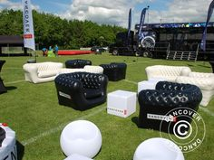 INFLATABLE ARMCHAIR, CHESTERFIELD STYLE, BLACK Chesterfield armchair – a classical armchair in a modern, inflatable version perfect as outdoor lounge furniture for hotels and clubs or at events to create an elegant and laid-back atmosphere.