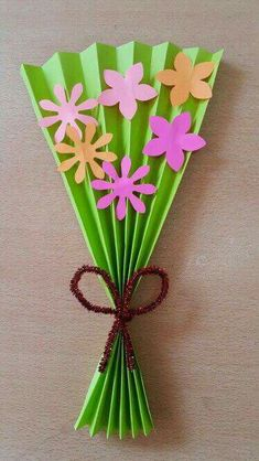 Please your Mom and grandma with some of the adorable and cute handmade gifts and crafts this Mothers day. Kids Crafts, Mothers Day Crafts For Kids, Spring Crafts For Kids, Mothers Day Cards, Summer Crafts, Toddler Crafts, Easter Crafts, Art For Kids, Diy And Crafts