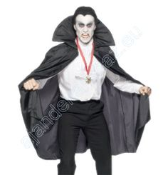 Black Vampire Cape with Collar Vampire Cape, Black Vampire, Diy Sweatshirt, Sweater Hoodie, Sweater Fashion, Sweater Outfits, Adulte Halloween, White Face Paint, Capes & Ponchos