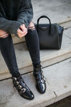 Creative And Inexpensive Tips: Chanel Shoes Sketch vans shoes tan.Spring Shoes With Jeans shoes boots vintage. Givenchy Boots, Chanel Boots, Valentino Shoes, Balenciaga Shoes, Mode Ootd, Buckle Boots, Biker Boots, Belt Buckle, Latest Shoe Trends