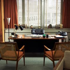 Don Draper Office - Mad Men Interior Design Mad Men Interior Design, Mid-century Interior, Office Furniture Design, Home Office Design, House Design, Furniture Ideas, Set Design, Modern Furniture, Fetco Home Decor