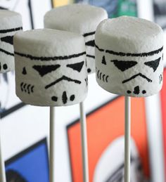 """Stormtrooper Marshmallows   Community Post: 17 Foods Guaranteed To Excite Any """"Star Wars"""" Fan"""