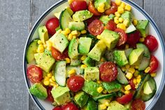 Fresh Tomato Recipes, Avocado Tomato Salad, Avocado Salad Recipes, Veggie Recipes, Healthy Recipes, Best Side Dishes, Vegan Recipes Videos, Morning Food, Good Food