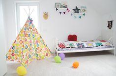 girl's bedroom, Ikea MINNEN bed, tipi DIY