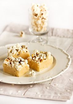 Popcorn Fudge by raspberri cupcakes, via Flickr