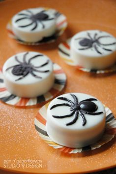 Fun Spider Cookies - chocolate covered oreos with spiders