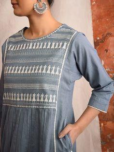 Kurti Sleeves Design, Kurta Neck Design, Kurti Embroidery Design, Embroidery Dress, Kurta Patterns, Dress Patterns, Kurta Designs Women, Blouse Designs, Summer Dresses