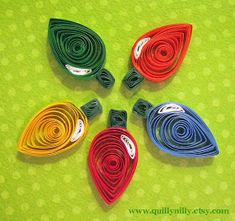 Keep up to date on new projects and ideas as you get a glimpse into my world of paper quilling Paper Quilling Patterns, Quilled Paper Art, Quilling Paper Craft, Paper Beads, Paper Crafts, Quilling Ideas, Paper Paper, Quilling Christmas, Christmas Paper