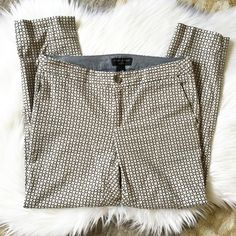 NWT Banana Republic Printed Skinny Ankle Pants! Brand new! Super cute pants for work or evening dinner! Any questions, please ask! Banana Republic Pants Ankle & Cropped