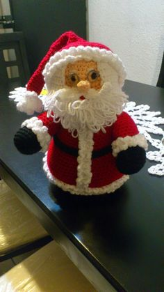 2014 Christmas crochet Santa wear glasses and cuffed hat - home decor, Christmas craft Crochet Santa, Crochet Diy, Crochet Crafts, Crochet Dolls, Crochet Projects, Crochet Christmas Ornaments, Christmas Crochet Patterns, Holiday Crochet, Christmas Knitting