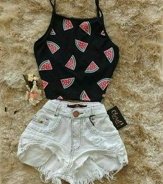 Cute Jean Shorts outfit ideas Cute Jeans Shorts outfit ideas to try out this summer Teenage Outfits, Teen Fashion Outfits, Mode Outfits, Cute Fashion, Outfits For Teens, Girl Outfits, Fashion Clothes, Trendy Fashion, Fashion Black