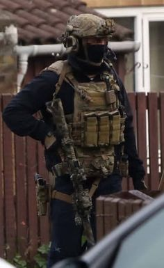 Tactical Gear, Tactical Life, Tac Gear, British Army, Swat, Armed Forces, Weapons, Gears, Military Special Forces