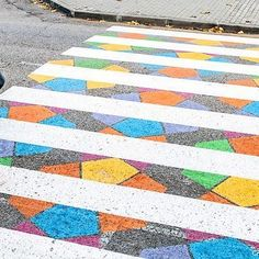 In an effort to brighten the city and encourage street safety, artist Christo Guelov has turned Madrid's crosswalks into geometric rainbows. Find out why from the link in bio 🙏👌 . #artist #painting #portrait #picoftheday #Abstract #picoftheday #Abstract #visualarts #oilpainting #canvaspainting #illustration #drawing #artistic #artist #artoftheday #artcollective #artnerd #artsy #artistic #artwork #madrid #streetart #artislife #artsofig #igarts #instalike