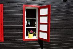 Liebevoll geschmücktes Fenster am Weissensee in Kärnten  ... #fenster #kärnten #österreich