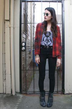 HYBRID | HUNTER: Modern Grunge in Cheap Monday high waisted skinnies.