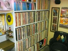 DIY - Record Shelves Plans.. about to do this when i get back home