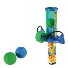 Honda Dispara Pelotas de Goma.Este divertidísimo juguete se sirve junto a 3 pelotas de goma para que pueda utilizarse en optimas condiciones. Con una longitud de 16 cm esta honda se convertirá en el juego preferido de los peques de la casa. Ideal para jugar en la playa o en la piscina. Expositor Punto de Venta gratis comprando 12 unidades.