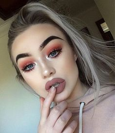horrible combination of pinks and extra dark instagram brows, with the addition of the #trashypout. please make it stop.