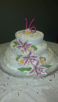 Dominican cake, merengue frosting and sugar flowers. Made  for me.