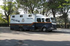 Spanish police horsebox with double cab