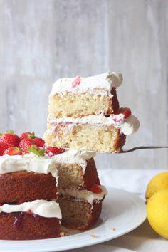 Gluten free eggless lemon and almond cake Ground Almonds, Almond Cakes, Gf Recipes, Vanilla Cake, Cheesecake, Strawberry, Lemon, Gluten Free, Snacks