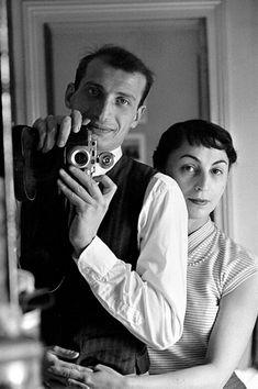 Edouard Boubat - Autoportrait avec Sophie, 1954.