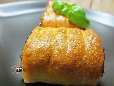 Paszteciki krucho drożdżowe z kapustą i grzybami Baked Potato, Potatoes, Cook, Cakes, Baking, Ethnic Recipes, Cake Makers, Potato, Kuchen