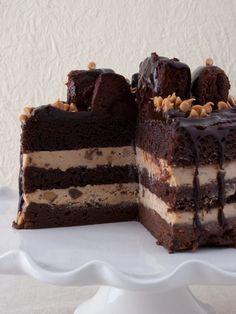 PEANUT BUTTER EXPLOSION CAKE - GILT TASTE
