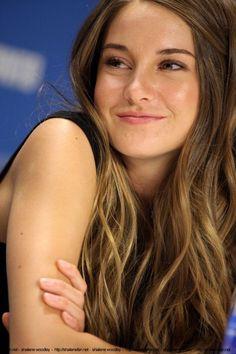 Shailene Woodley - she is so pretty!