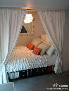 I love this idea! Closet bed. I don't thing me bed would fit in the closet though.....